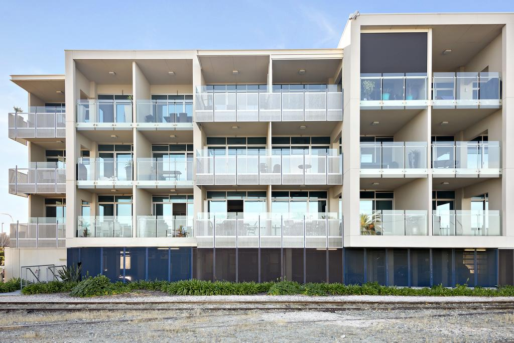 Frontage Apartments 3